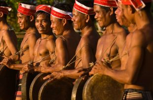 tampoun-gong-players